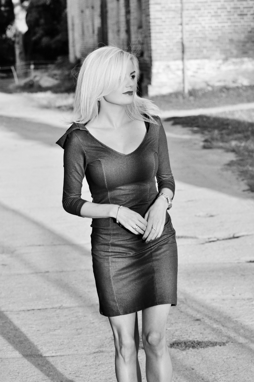 sukienka z kapturem2