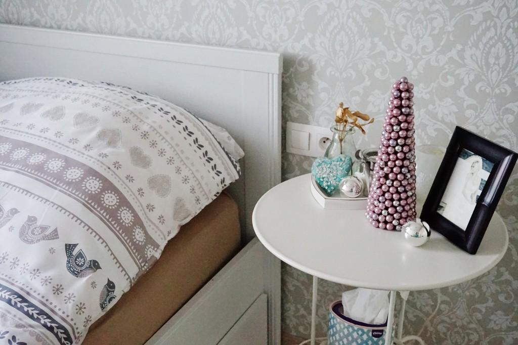 dekoracje świąteczne sypialnia