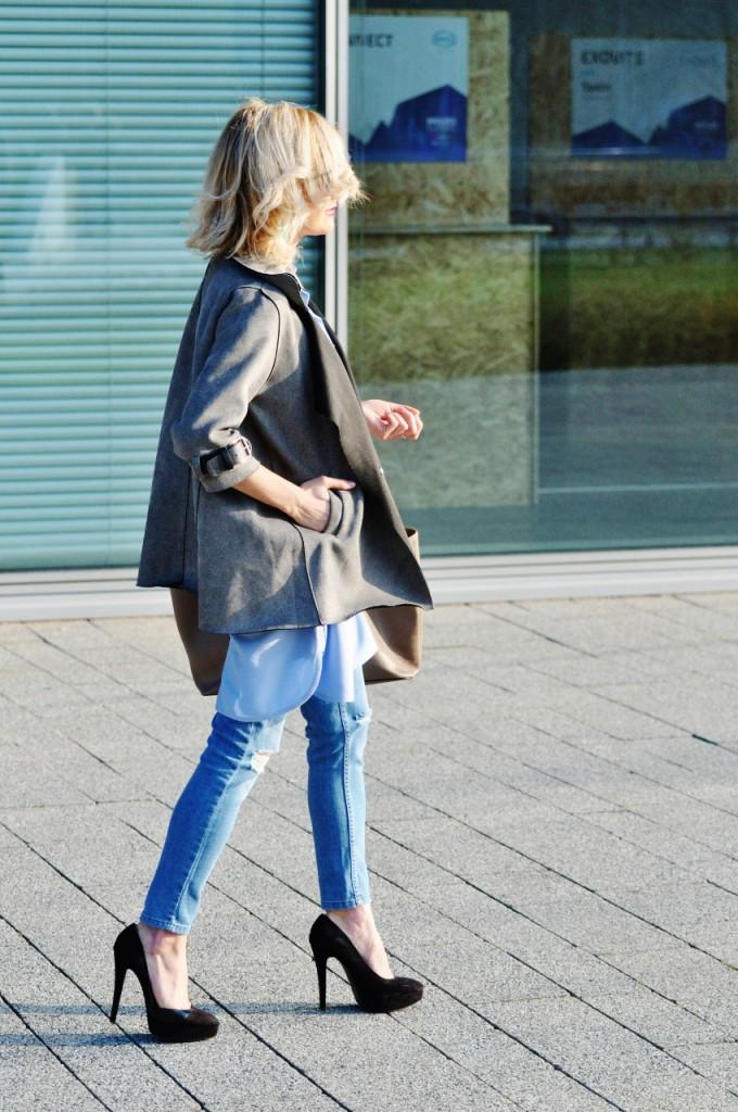 stylziacja koszula błękitna długa