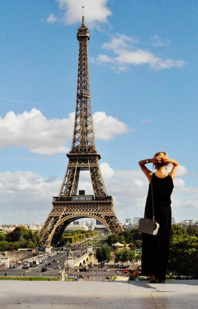 wieża eiffla ciekawe miejsca w paryżu4