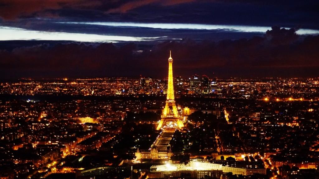 wieża eiffla ciekawe miejsca w paryżu6