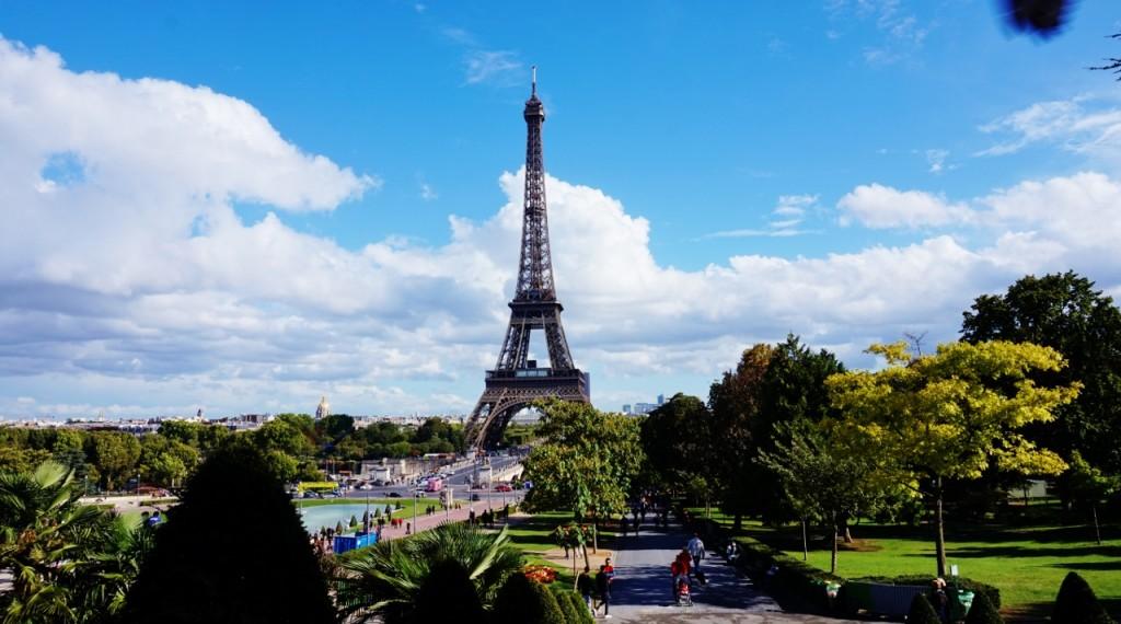 wieża eiffla ciekawe miejsca w paryżu7