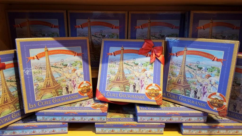 wieża eiffla zakupy słodycze