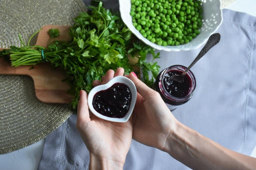 przepis-na-obiad-poledwiczka-w-ziolach-z-warzywami-blanszowanymi27