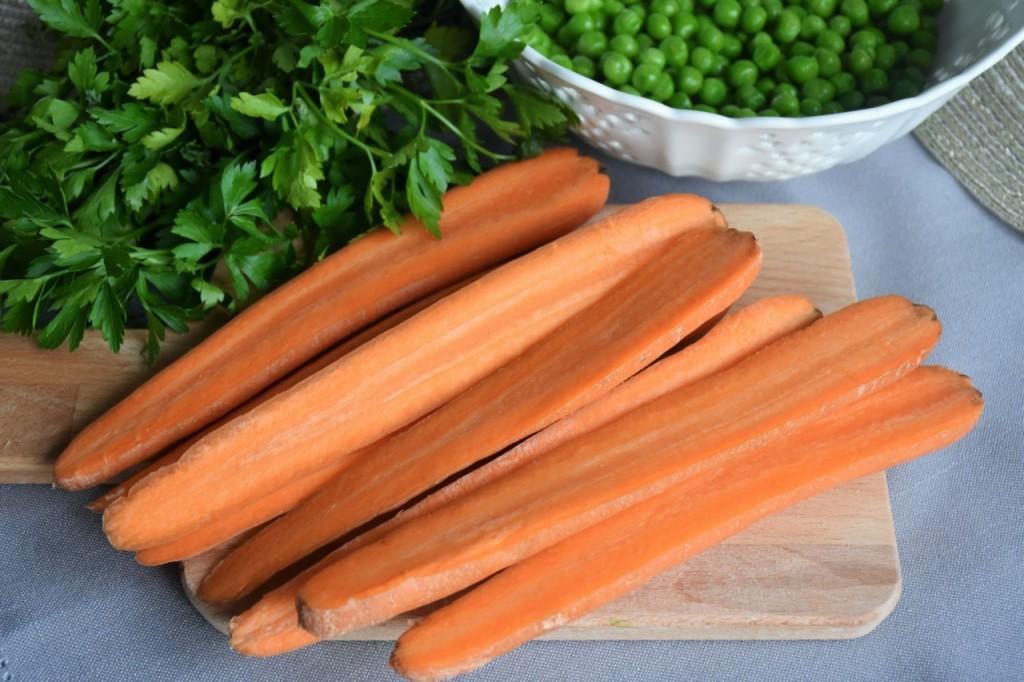 przepis-na-obiad-poledwiczka-w-ziolach-z-warzywami-blanszowanymi36