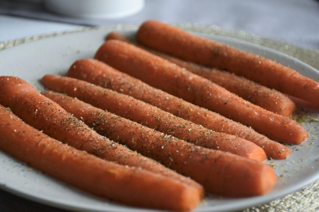 przepis-na-obiad-poledwiczka-w-ziolach-z-warzywami-blanszowanymi39