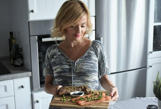 przepis-na-obiad-poledwiczka-w-ziolach-z-warzywami-blanszowanymi55