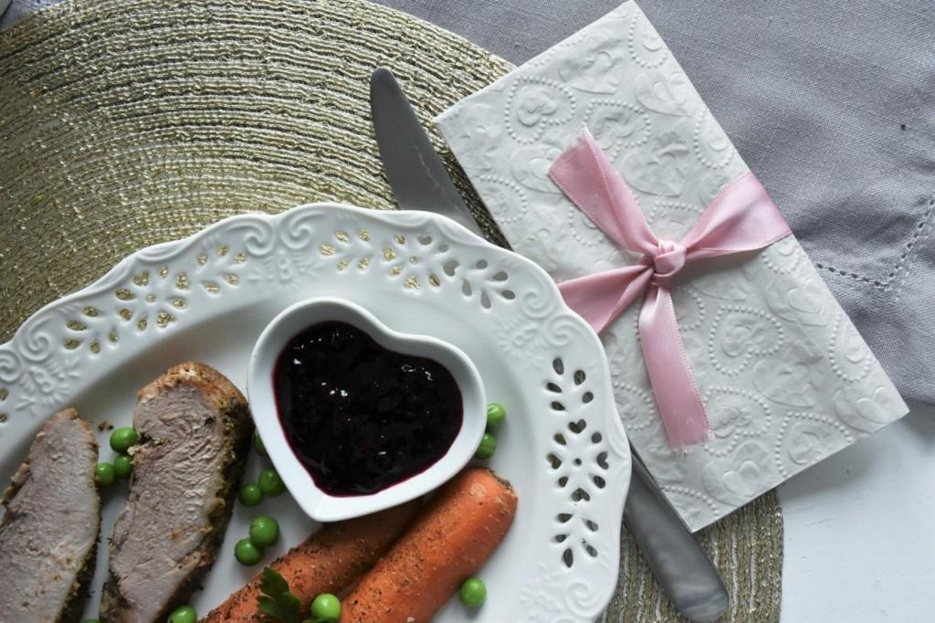 przepis-na-obiad-poledwiczka-w-ziolach-z-warzywami-blanszowanymi59