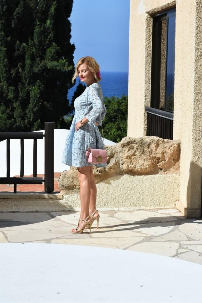 stylizacja-na-rocznice-slubu-ania-zajac-blog-moda-lifestyle-fashionable-blekitna-sukienka7