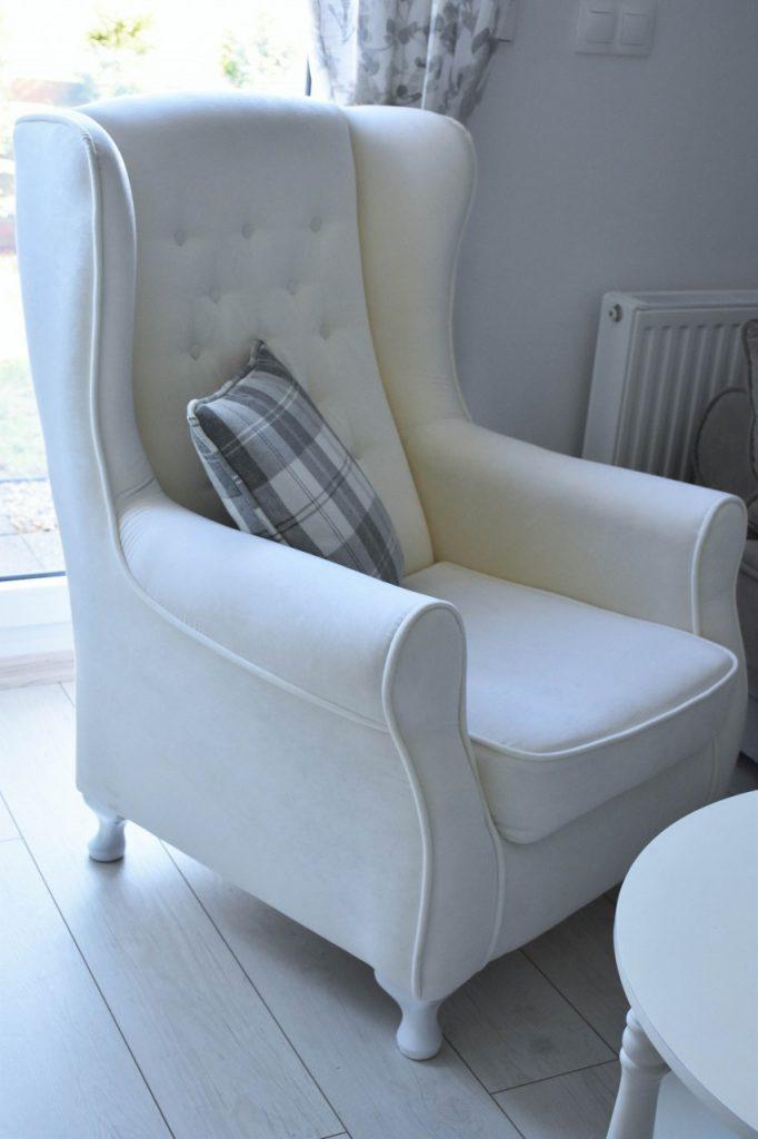 angielski-fotel-uszak-bialy-blog-wnetrzarski-ania-zajac-fashionable15