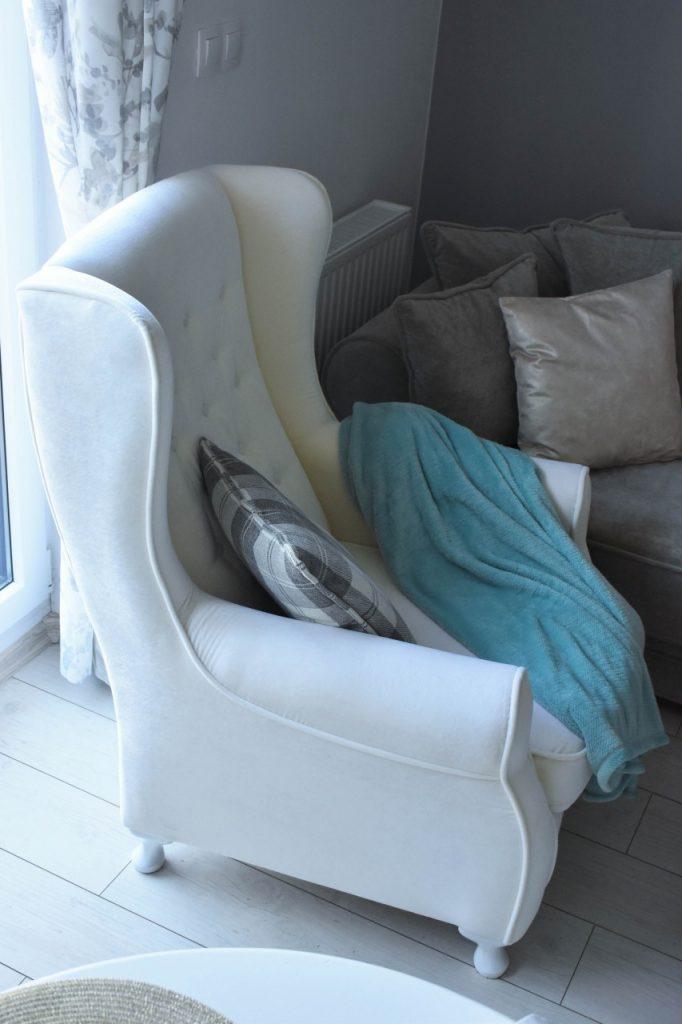 angielski-fotel-uszak-bialy-blog-wnetrzarski-ania-zajac-fashionable47