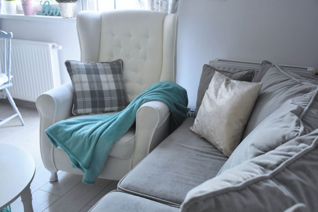 angielski-fotel-uszak-bialy-blog-wnetrzarski-ania-zajac-fashionable61