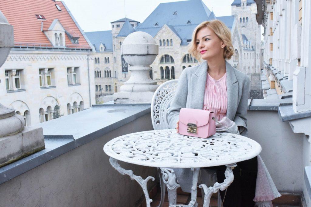 bluzka-pudrowy-roz-cos-i-torebka-furla-blog-moda-lifestyle-ania-zajac14