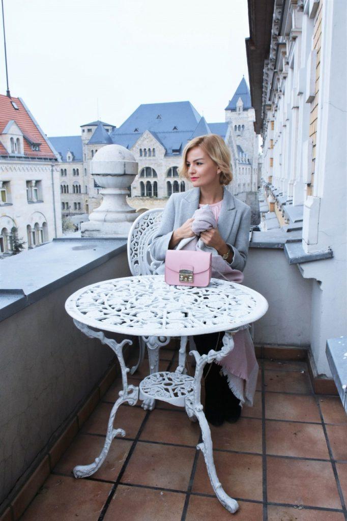 bluzka-pudrowy-roz-cos-i-torebka-furla-blog-moda-lifestyle-ania-zajac20