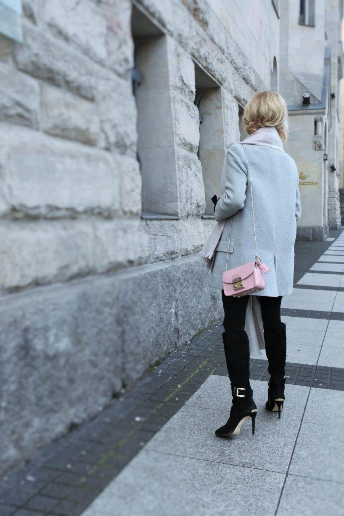 bluzka-pudrowy-roz-cos-i-torebka-furla-blog-moda-lifestyle-ania-zajac44