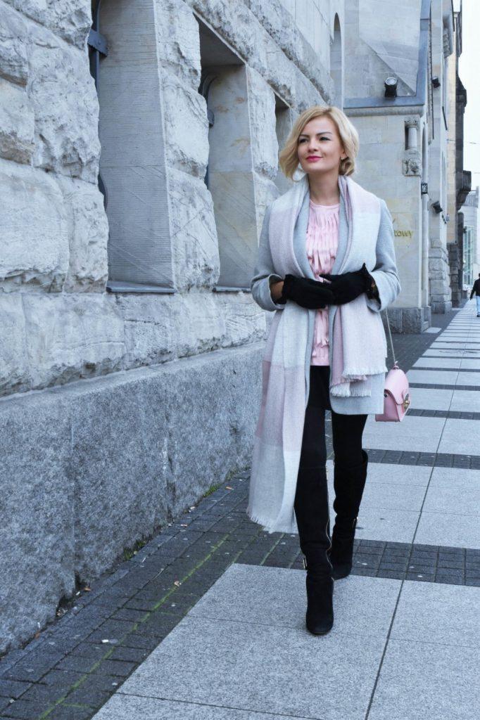 bluzka-pudrowy-roz-cos-i-torebka-furla-blog-moda-lifestyle-ania-zajac45