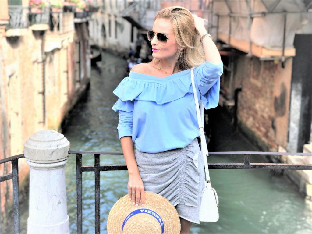 stylizacja by insomnia błękitna bluzka Anna Zając 2