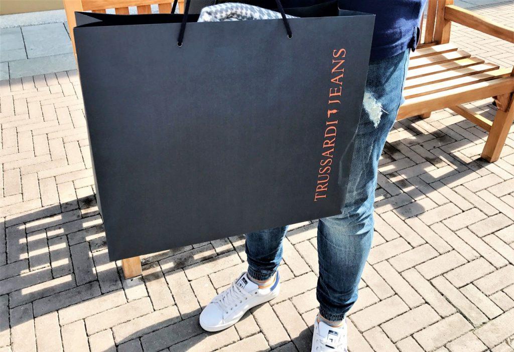 zakupy serravalle mediolan outlet włochy