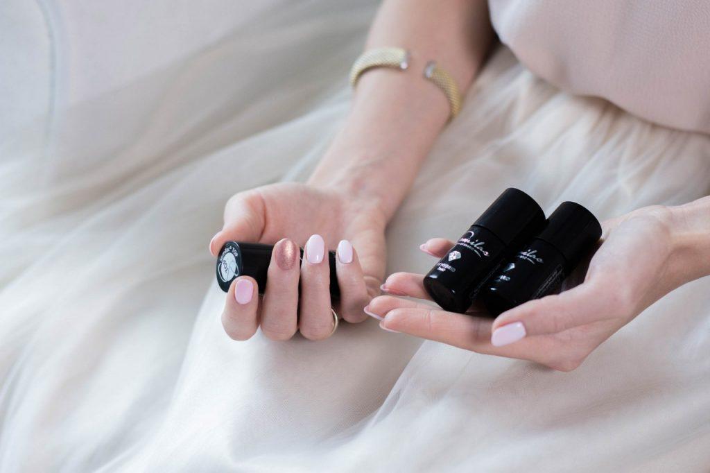 manicure ślubny hybryda