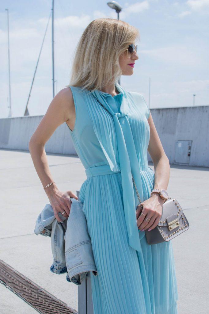 niebieska sukienka 2