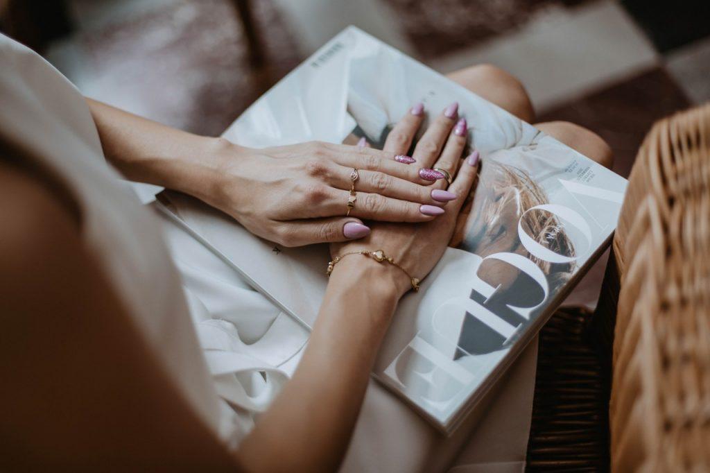 ioletowy hybrydowy manicure semilac4