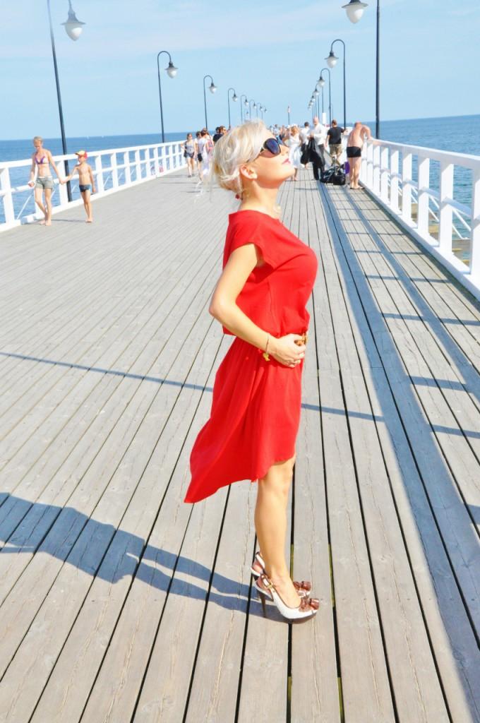czerwona sukienka blog modowy blog lifestyle
