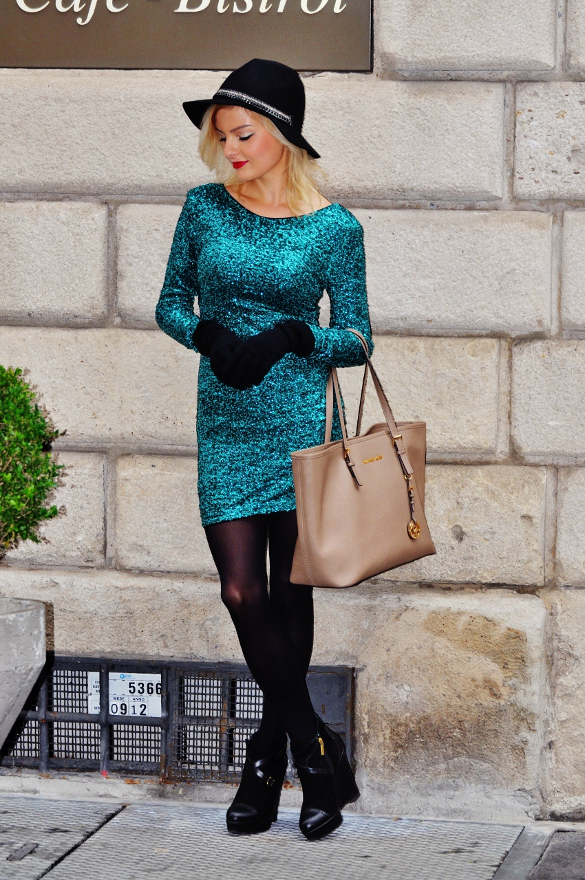 sukienka z cekinami mediolan via montenapoleone