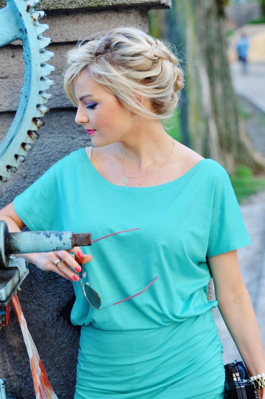 turkusowa sukienka2