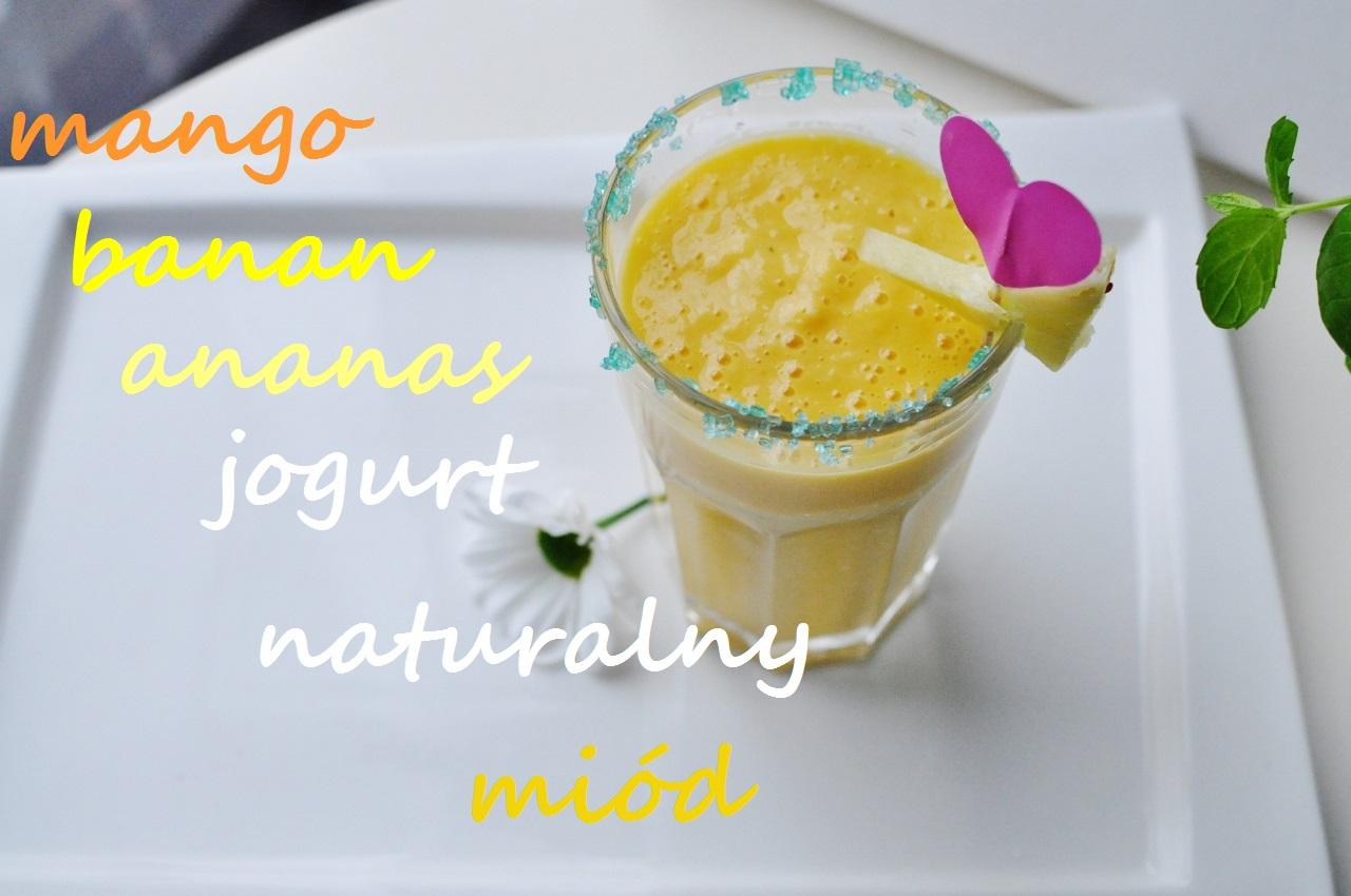 modny koktajl mango banan ananas jogurt naturalny