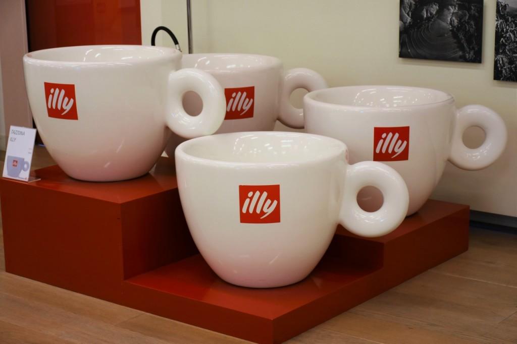illy cafe najlepsza włoska kawa filiżanki2