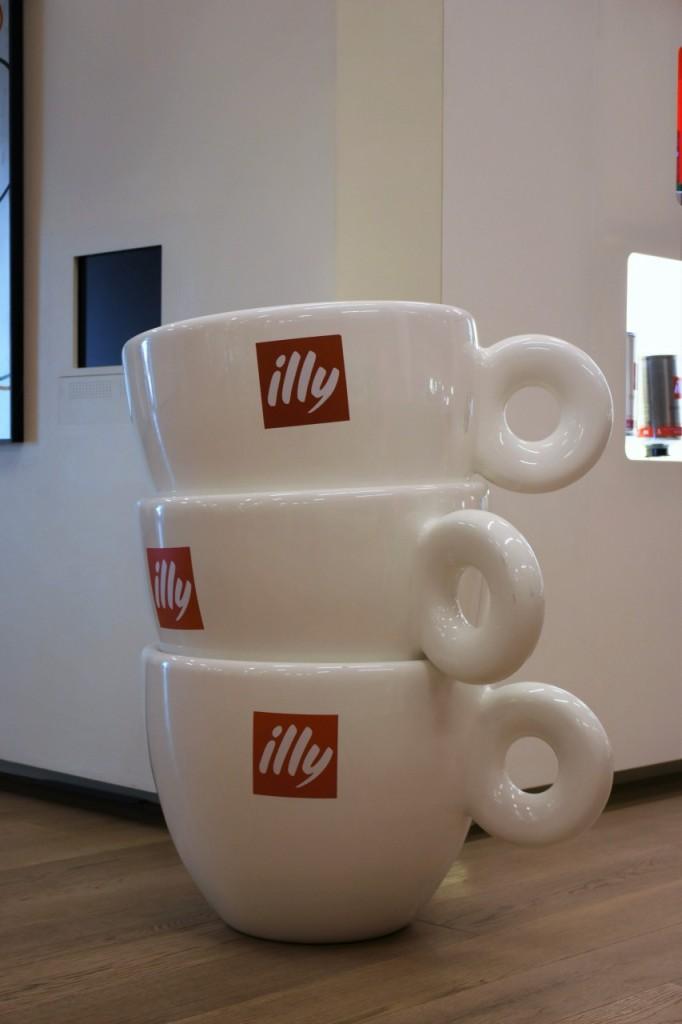 illy cafe najlepsza włoska kawa filiżanki3