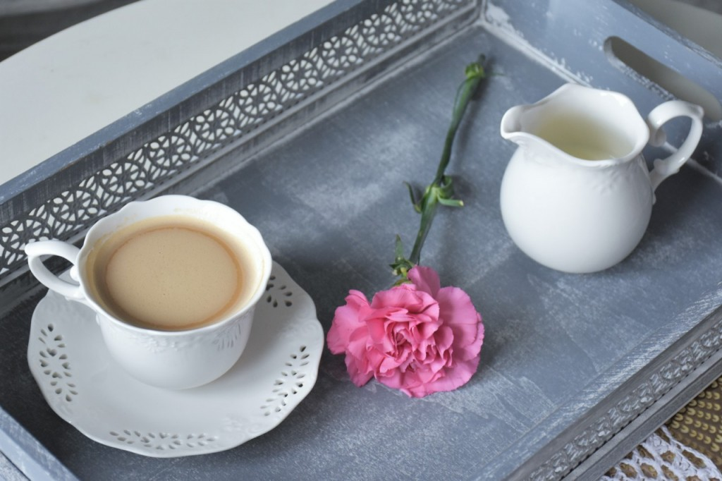 3 biała filiżanka do kawy home and yoy blog wnętrza lifestyle ania i jakub zając fashionable4
