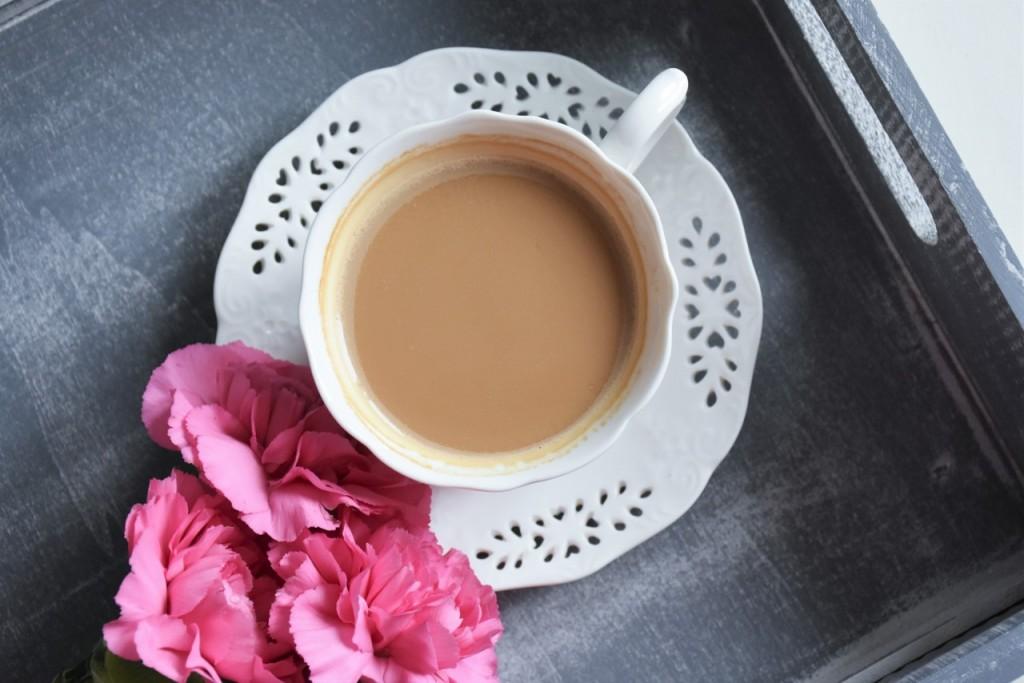 3 kawia białą filiżanka home and you kwiaty blog wnętrzarski lifestylowy ania i jakub zając fashionable