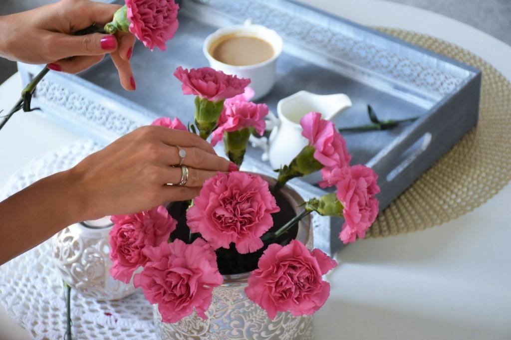 4 układanie kwiatów wazon blog wnętrza