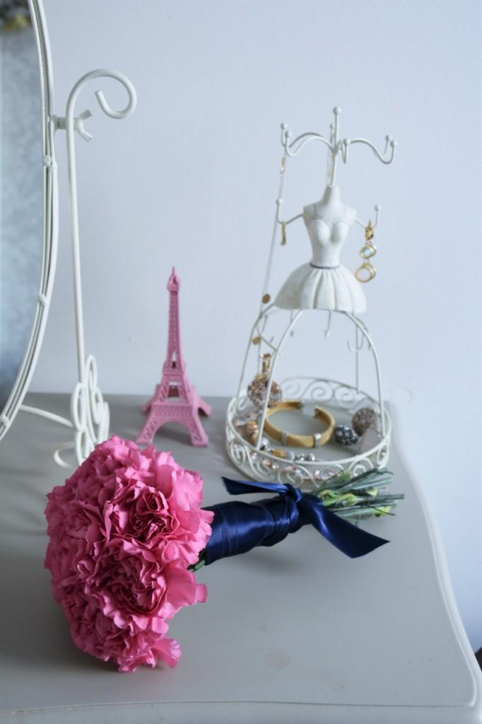 6 kwiat na toaletce przechowywanie biżuterii blog wnętrza2