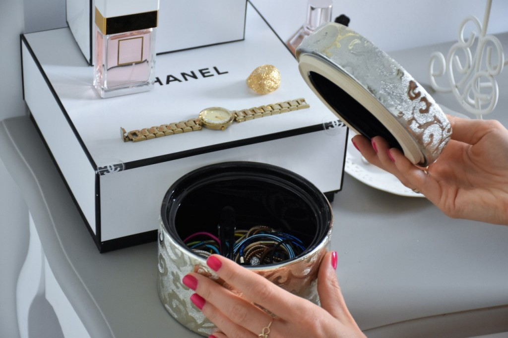 7 pojemnik na spinki na toaletkę home and you blog wnętrza lifestyle