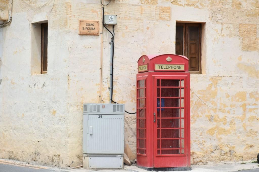 angielskie wpływy na malcie budka telefoniczna czerwona