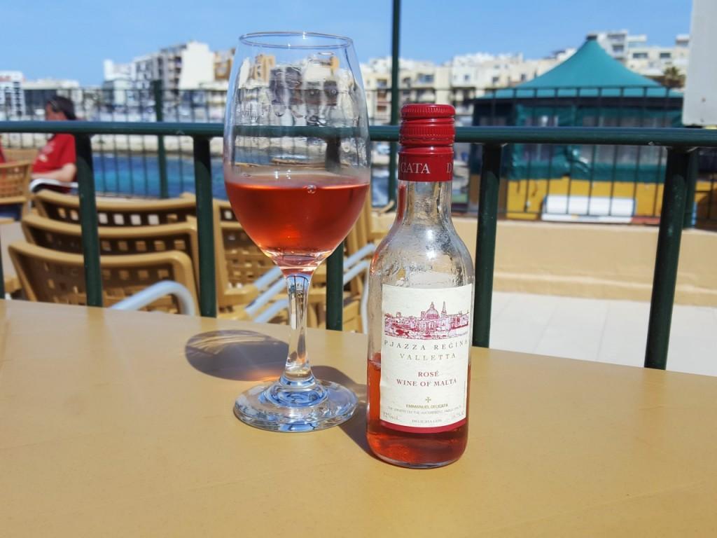wino maltańskie jedzenie na malcie blog podróże ania i jakub zając