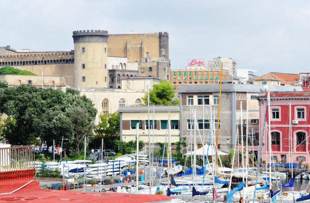 Randki online Neapol Włochy