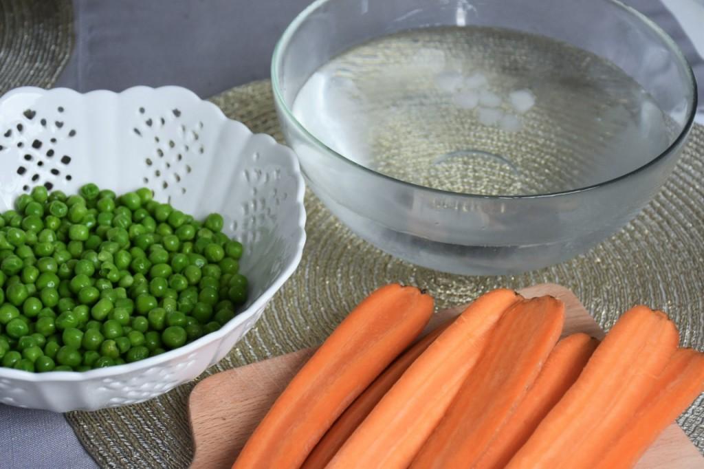 przepis-na-obiad-poledwiczka-w-ziolach-z-warzywami-blanszowanymi35
