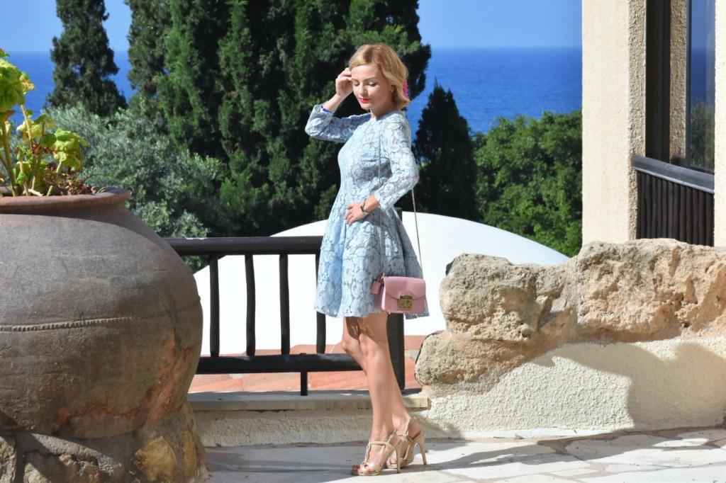 stylizacja-na-rocznice-slubu-ania-zajac-blog-moda-lifestyle-fashionable-blekitna-sukienka4