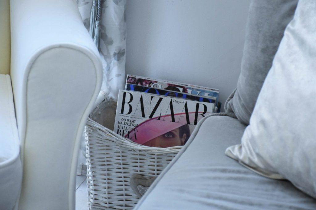 angielski-fotel-uszak-bialy-blog-wnetrzarski-ania-zajac-fashionable