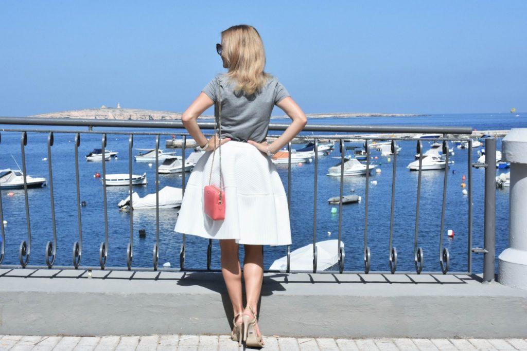 spodnica-biala-rozkloszowana-manifiq-blog-modowy-ania-zajac-fashionable39