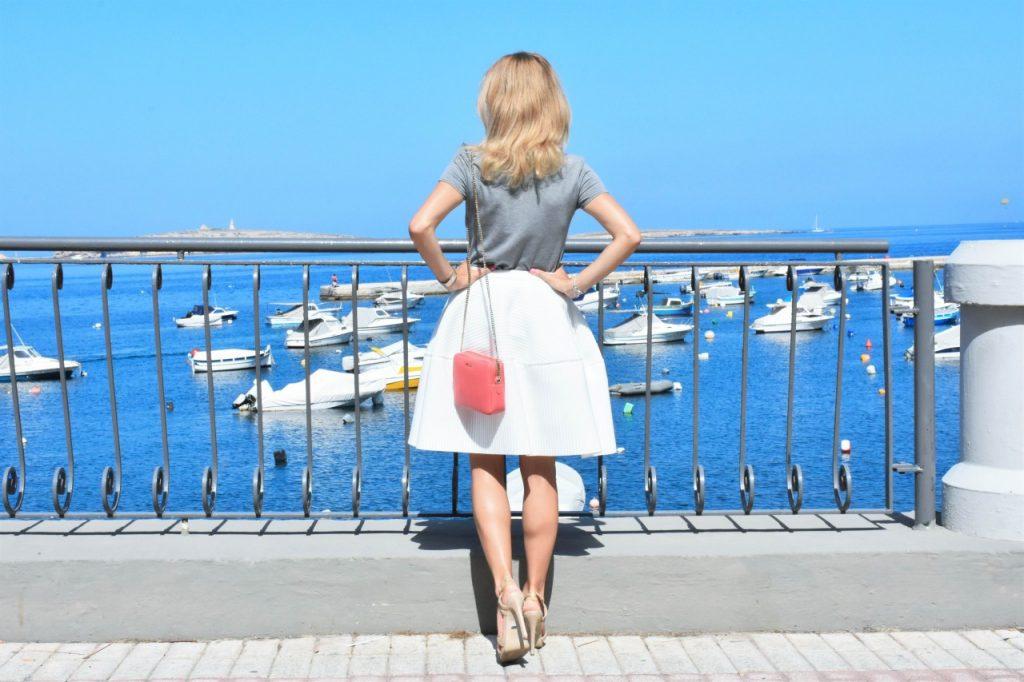 spodnica-biala-rozkloszowana-manifiq-blog-modowy-ania-zajac-fashionable45