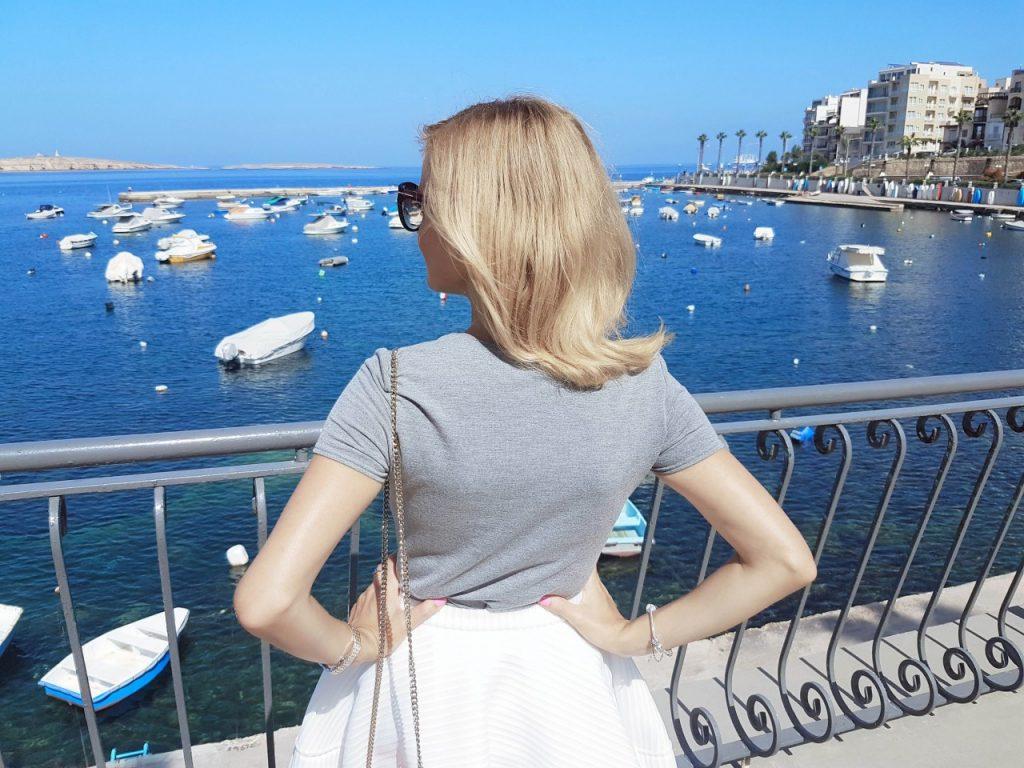 spodnica-biala-rozkloszowana-manifiq-blog-modowy-ania-zajac-fashionable5