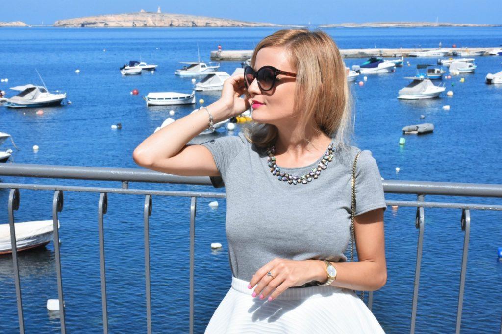 spodnica-biala-rozkloszowana-manifiq-blog-modowy-ania-zajac-fashionable50