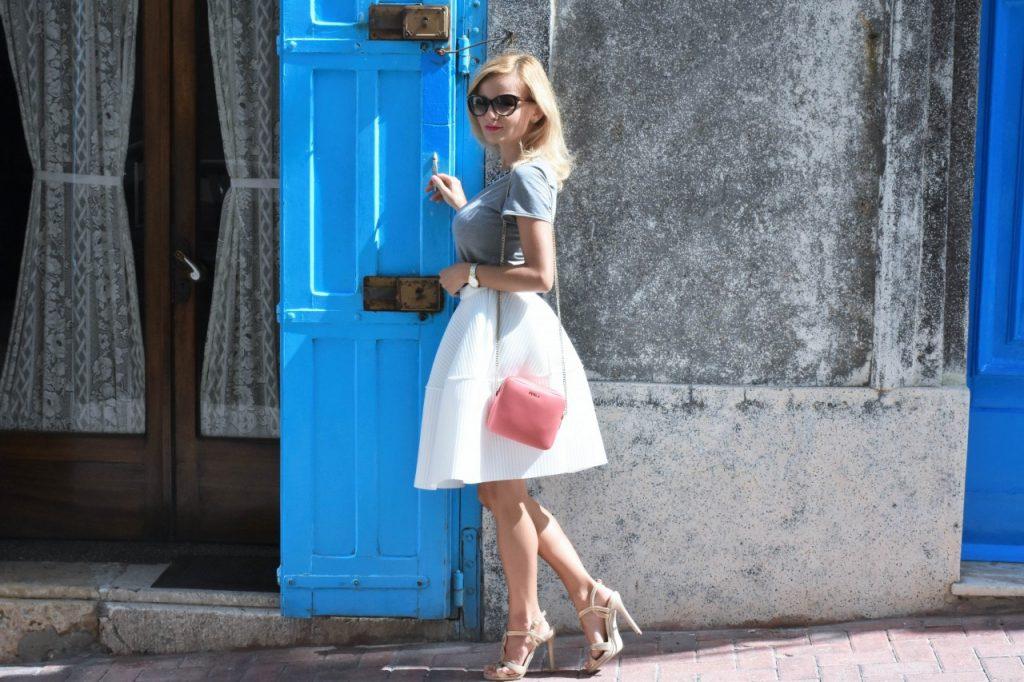 spodnica-biala-rozkloszowana-manifiq-blog-modowy-ania-zajac-fashionable56