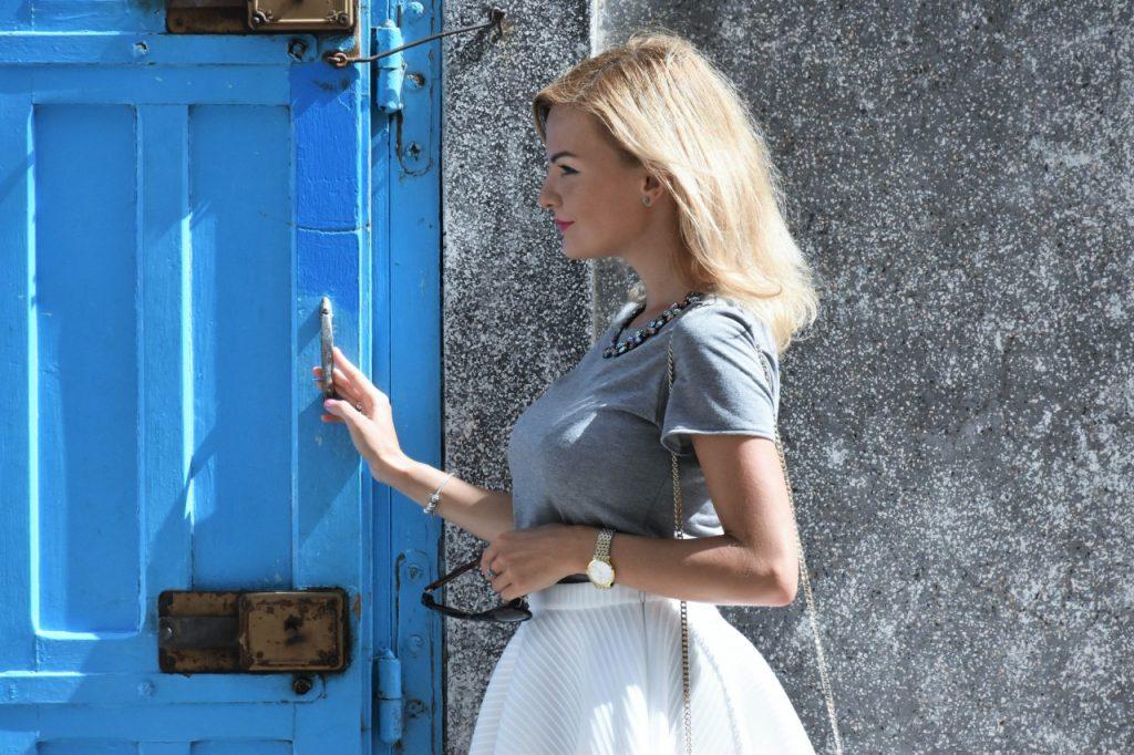 spodnica-biala-rozkloszowana-manifiq-blog-modowy-ania-zajac-fashionable65