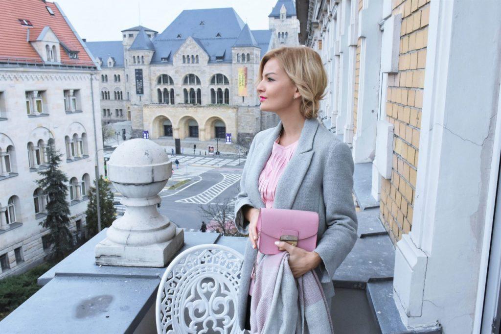 bluzka-pudrowy-roz-cos-i-torebka-furla-blog-moda-lifestyle-ania-zajac7