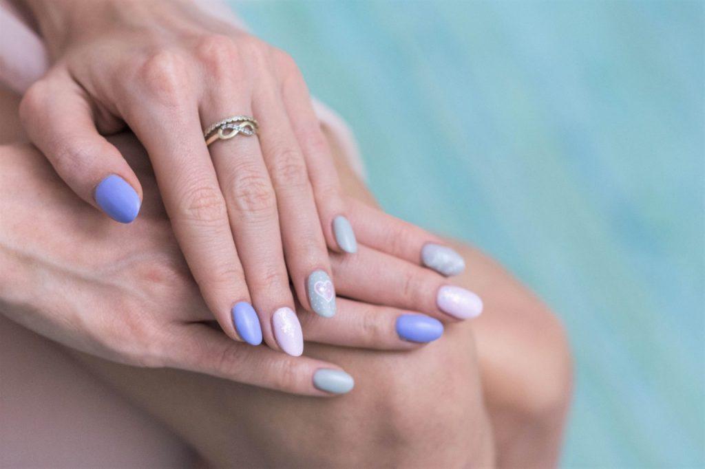 manicure hybrdyowy semilac pastele i wzory inspiracje blog urodowy moda4